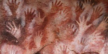 An Cueva de las Manos agus a phéinteanna láimhe 8oo ag dul ó 13000 bliana