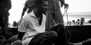 卢蒙巴被捕