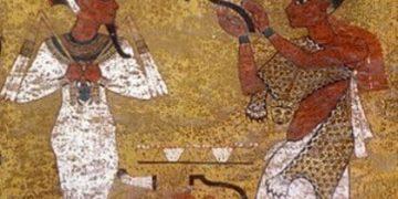 Конго зі своєю леопардовою шкурою у Стародавньому Єгипті перед Осірісом